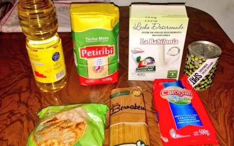 Indignación por el precario bolsón alimentario de PAMI