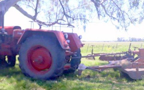 Murió un trabajador rural mientras manejaba un tractor
