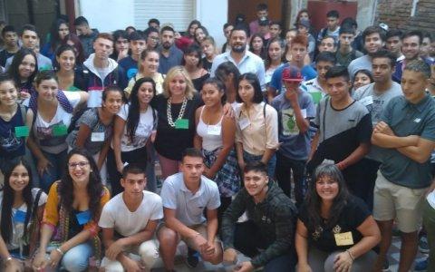 150 jóvenes gualeguaychuenses inician el camino de su primer empleo