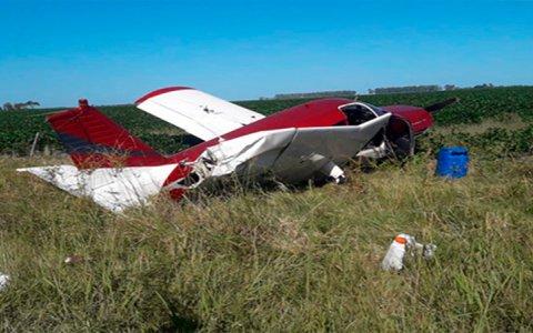 Hallaron en un campo una avioneta que trasladaba drogas