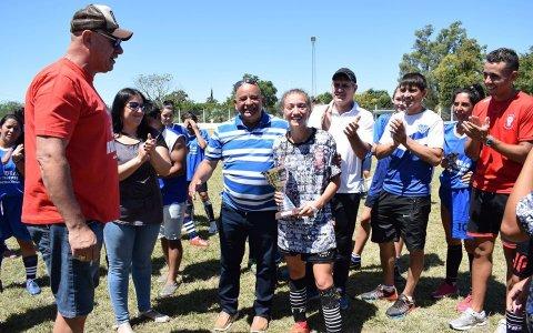 El club Huracán llevó su fútbol a la localidad de Gilbert