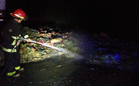Bomberos de Gualeguaychú sofocan un incendio en Ruta 14