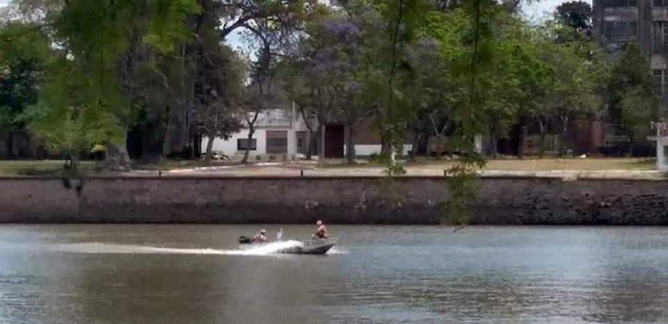 Prefectura rescató a un perro en el Río Gualeguaychú