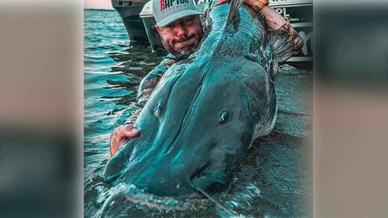 Pescaron surubí de casi dos metros en el Río Paraná