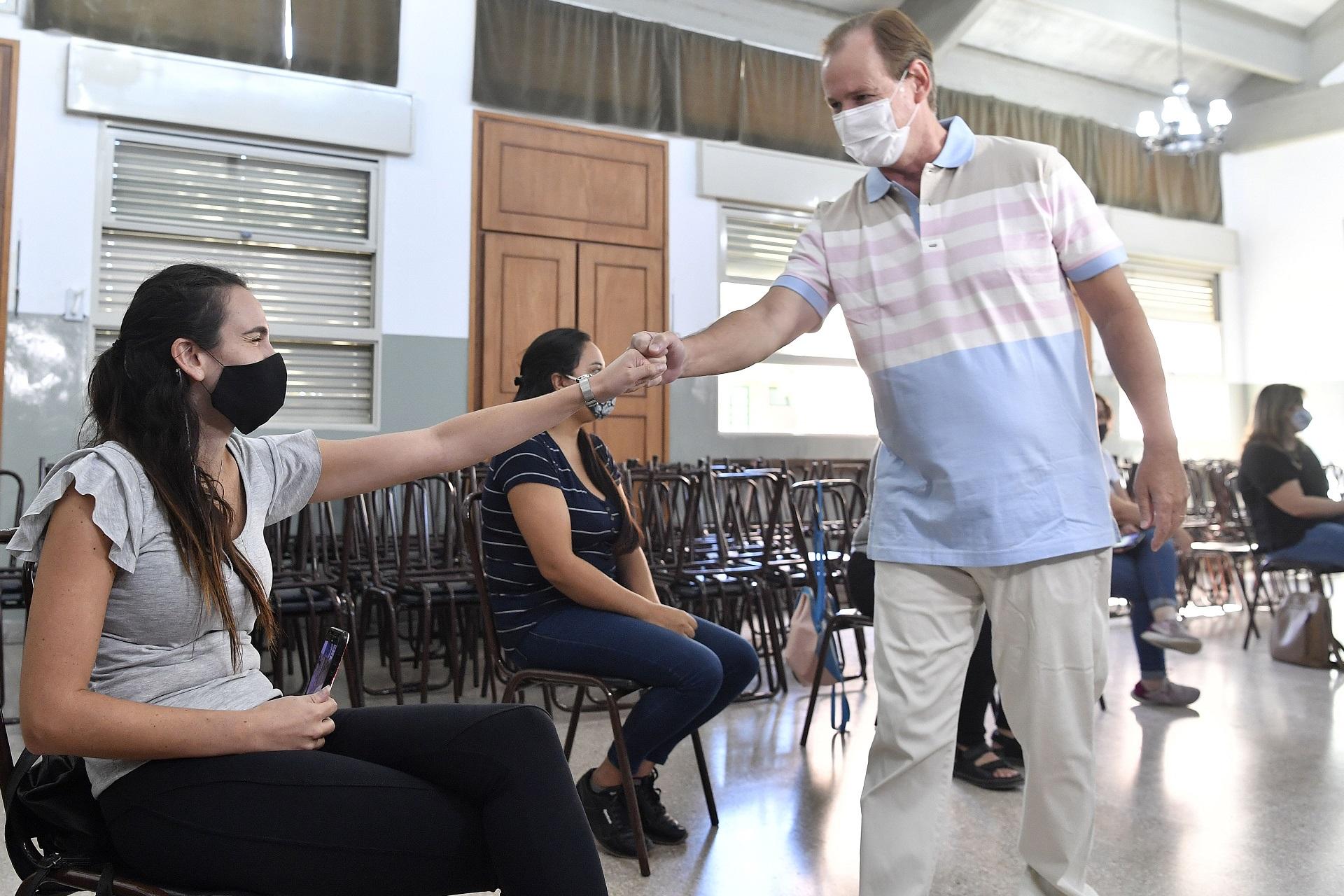 Comenzó la vacunación a docentes en Entre Ríos