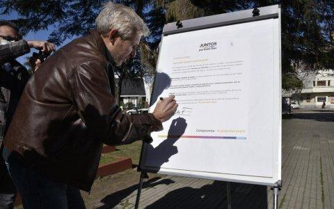 """Precandidatos de Juntos firmaron el compromiso de """"Campaña Limpia"""""""
