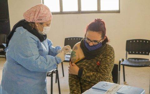 Realizan operativos de vacunación en los barrios de Gualeguaychú